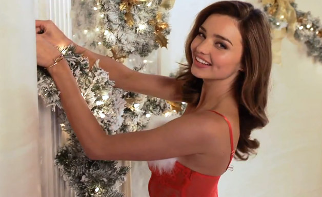 628-Miranda-Kerr-Christmas