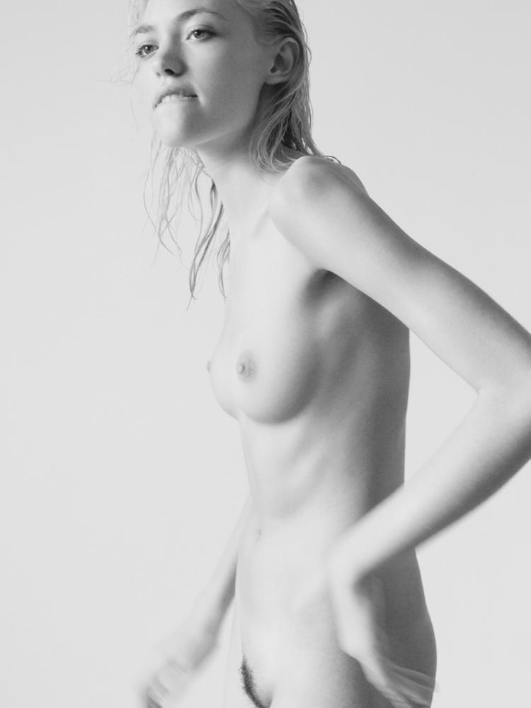 голые молодые модели фото