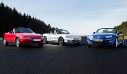 Mazda-MX-5-Miata-25th-Anniversary-gathering-front-three-quarters-view