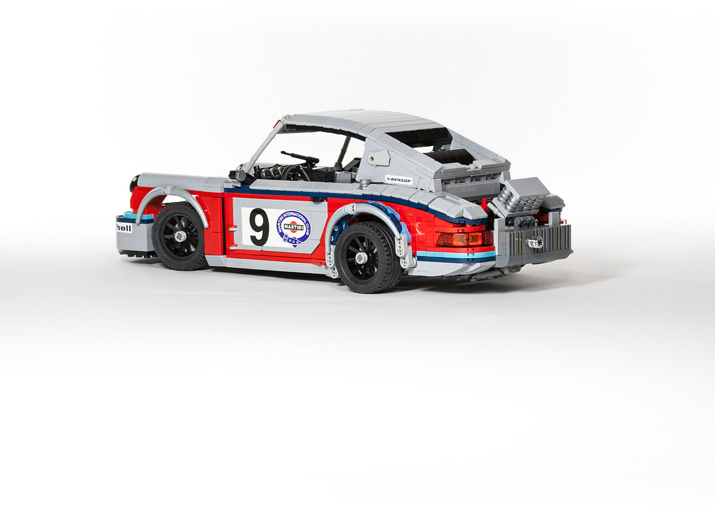 lego martini porsche racing set zen garage. Black Bedroom Furniture Sets. Home Design Ideas