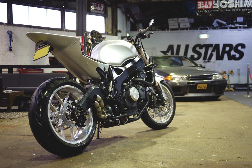 Mark Boxer's Turbocharged Hoonda Fireblade - Zen Garage