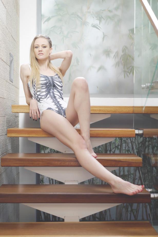 ariputnam_justinfox_blackmilk_stairs1