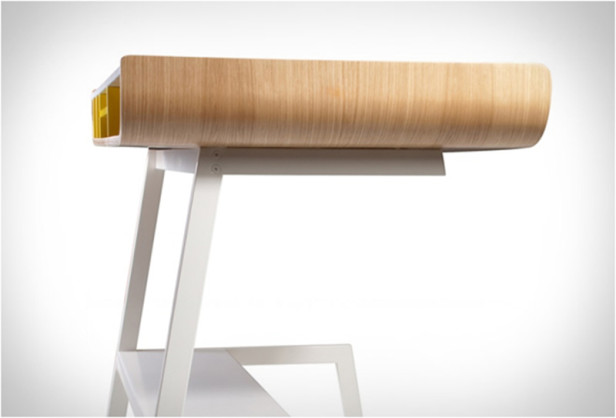 half-pipe-desk-4