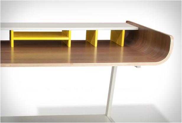 half-pipe-desk-5