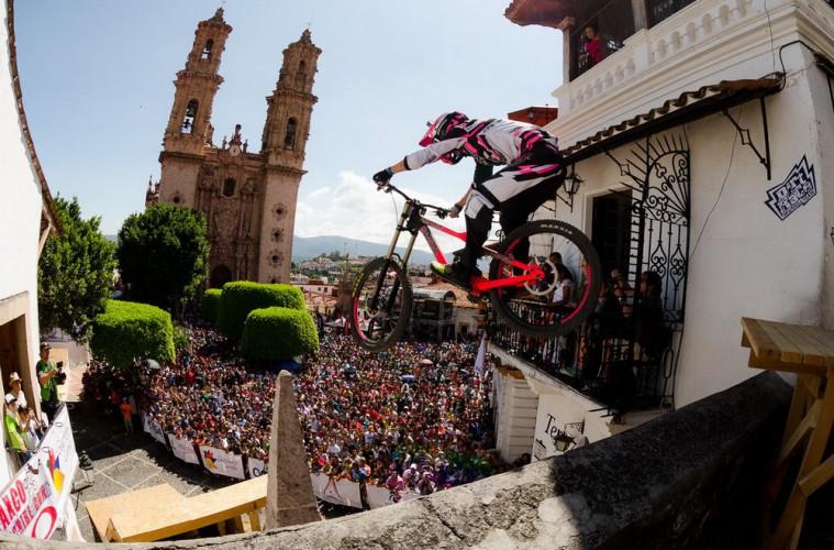 Taxco-Urban-Downhill-2014-11