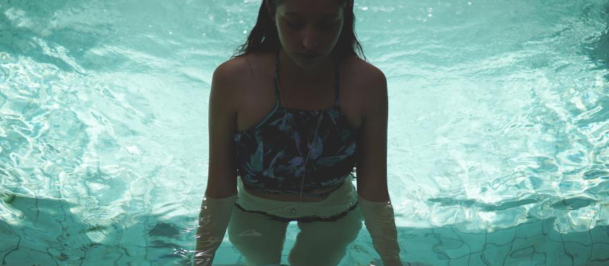 sophiemoyle_justinfox__pool4