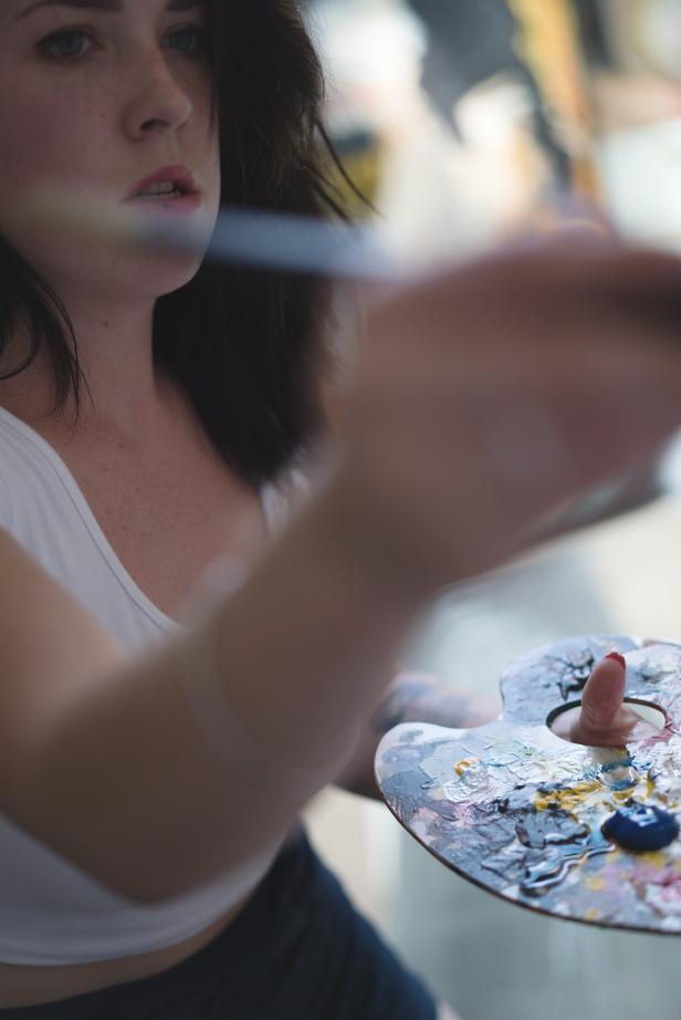 justin_fox_krysti_mclellan_easel_painting