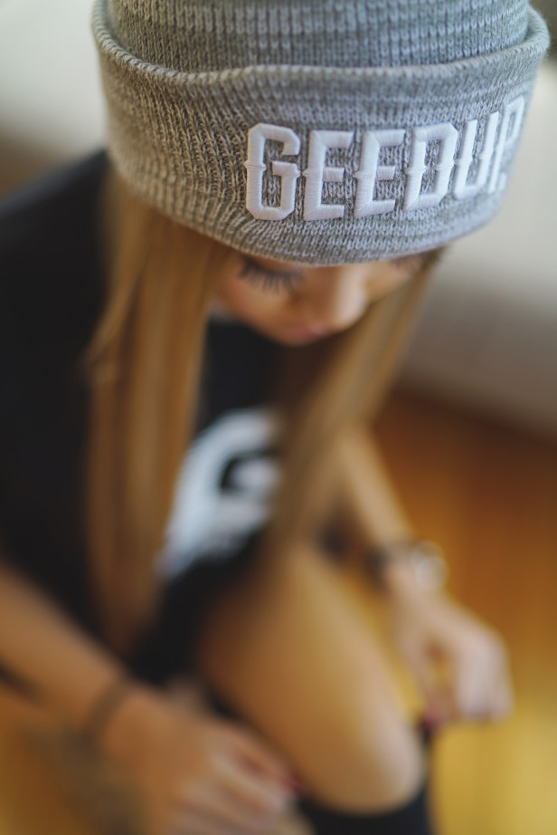 helen_geedup_justinfox_beanie4