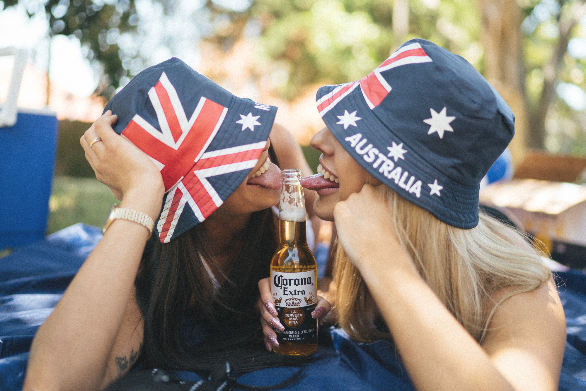 australiaday_babes_garden_shoot_justinfox_bottle_6