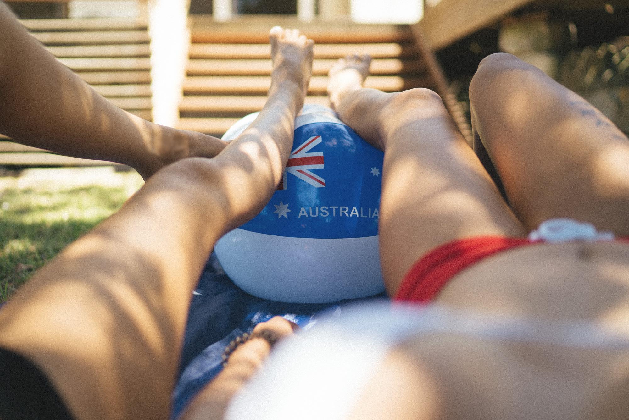 australiaday_babes_garden_shoot_justinfox_legs