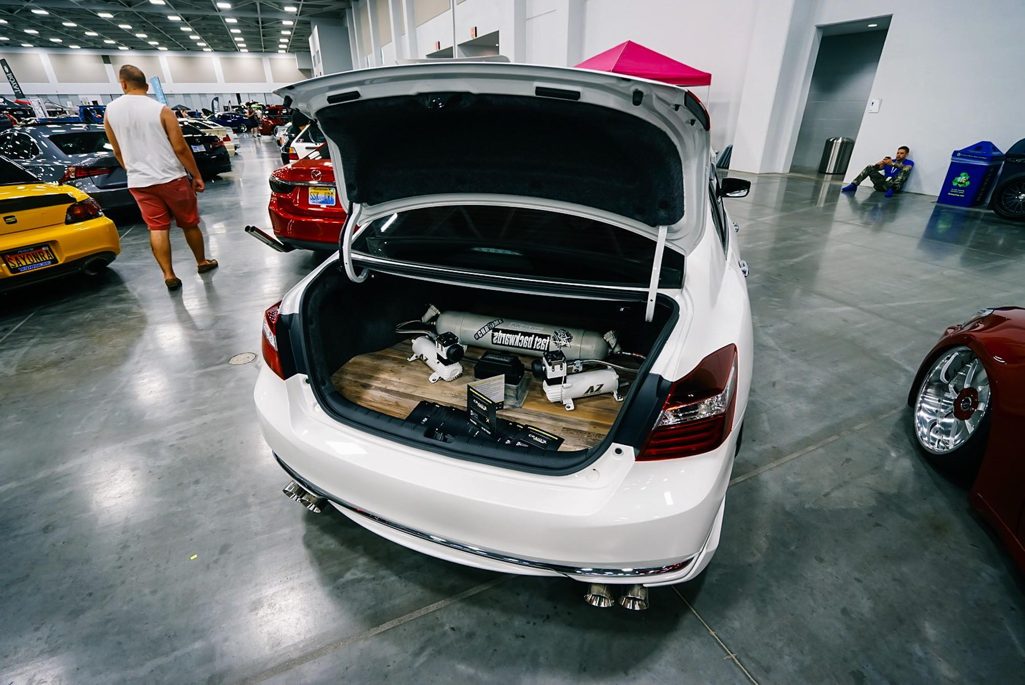 DSC05455 Zen Garage-