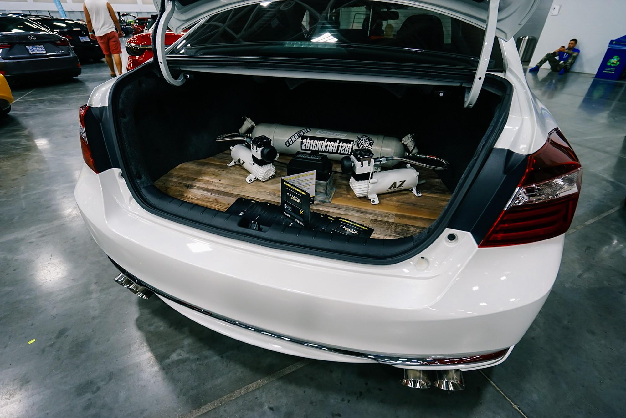 DSC05456 Zen Garage-