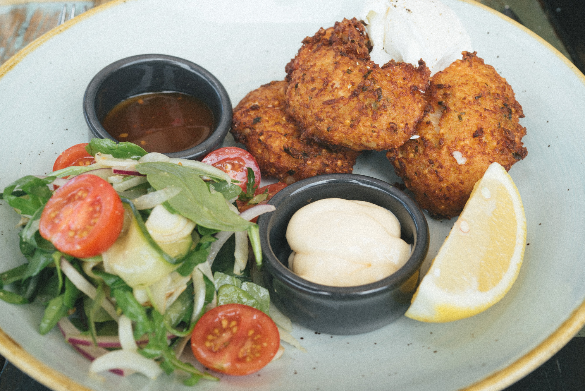 pool_cafe_fritters