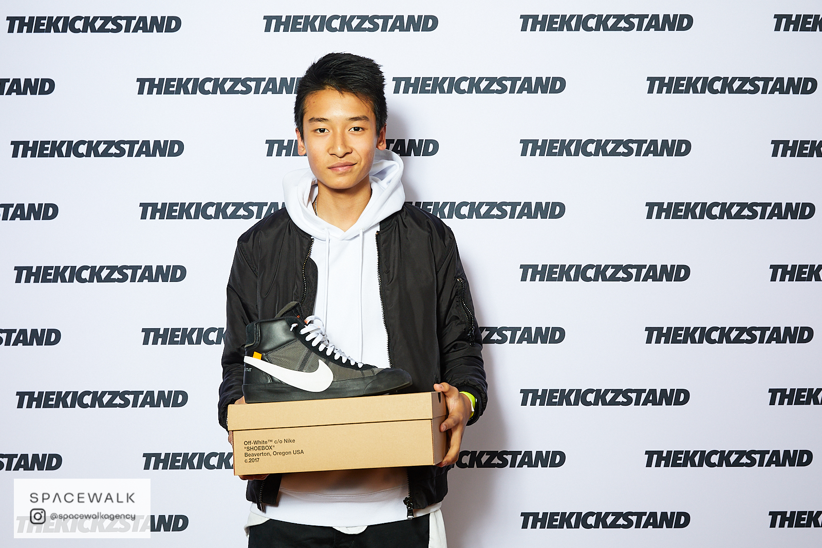 KICKZSTAND_BOOTH_040