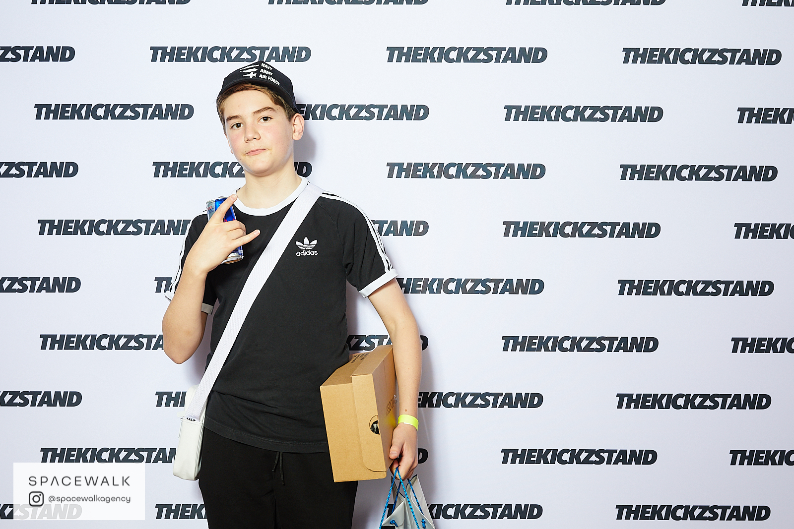 KICKZSTAND_BOOTH_052