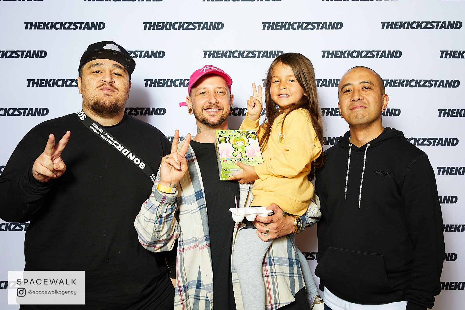 KICKZSTAND_BOOTH_060