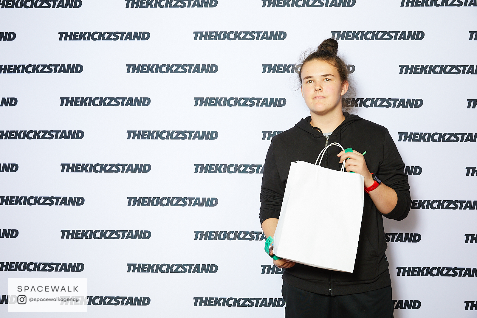 KICKZSTAND_BOOTH_070